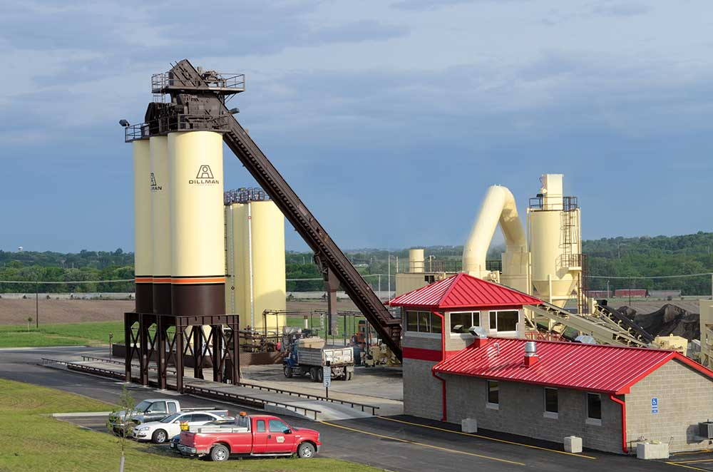 LL-Pelling-Cedar-Rapids-Asphalt-Plant.jpg